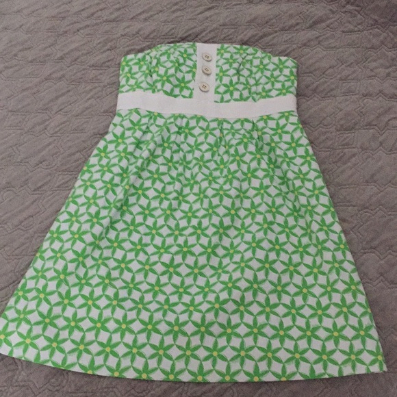 Lilly Pulitzer Dresses & Skirts - Lilly Pulitzer Geometric Flower Print Dress